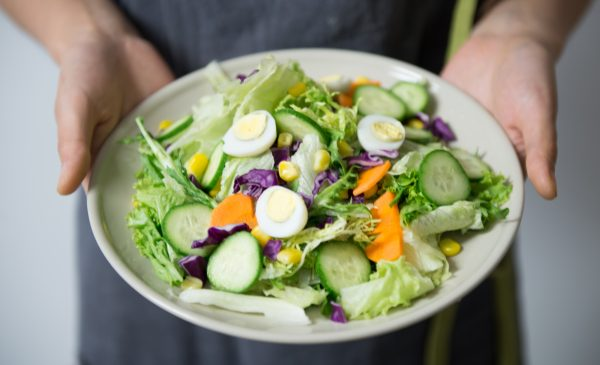 5 Healthy Salad Dressings As Picked by a Dietitian