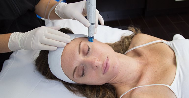 Cleanse, Exfoliate, Extract & Hydrate with HydraFacial MD®