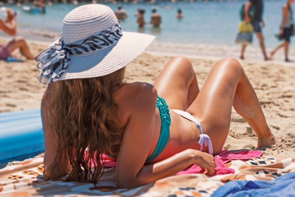 3 Ways Your Sunscreen May Be Harming Your Skin (And How to Fix It)