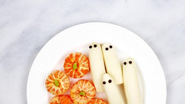 Tips, Tricks, & Treats for a Healthy Halloween That Won't Ruin Your Diet