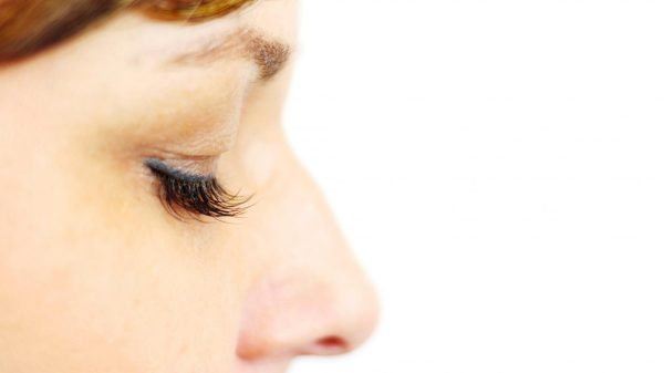 4 Ways to Get Dark, Full Lashes Right Now